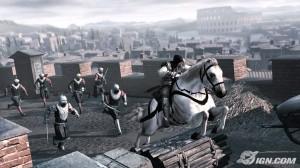 Ezio uciekający na koniu przed napastnikami